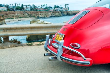 SAN DIEGO - JULY 29, 2017: Old vintage Porsche car along city coast. Porsche is a famous luxury car brand. Éditoriale