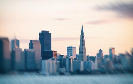 San Francisco Skyline o zachodzie słońca. Zdjęcie Seryjne
