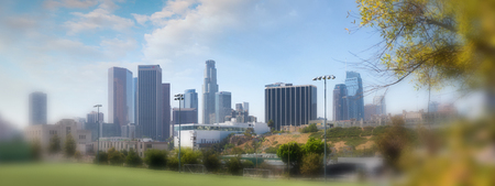 Schöne Skyline von Downtown Los Angeles vom Stadtpark