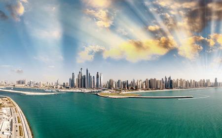 Dubai Marina aerial view from Palm Jumeirah, UAE. Banque d'images