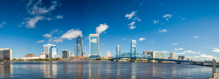 Panoramic view of Jacksonville skyline at dusk, Florida - USA. Banco de Imagens