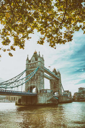 River Thames and Tower Bridge on a autumn day, London. Reklamní fotografie - 118582542