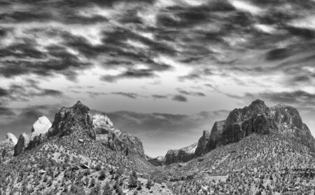 Zion National Park in summer season. Red mountains against blue sky. Imagens