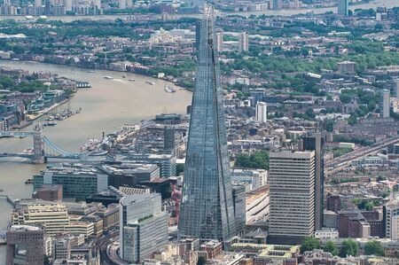 Aerial view of London skyline along River Thames. Southern side. Imagens