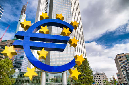 FRANKFURT, GERMANY - SEPTEMBER 12, 2019: Giant Euro sign at European Central Bank headquarters in the morning, business district in Frankfurt am Main, Germany. Éditoriale