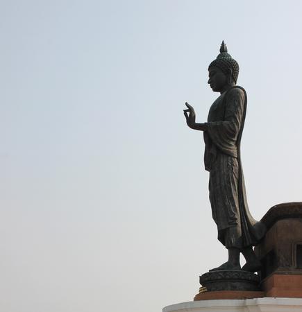 dhamma: grande statua buddha in provincia di buddha in Thailandia Archivio Fotografico
