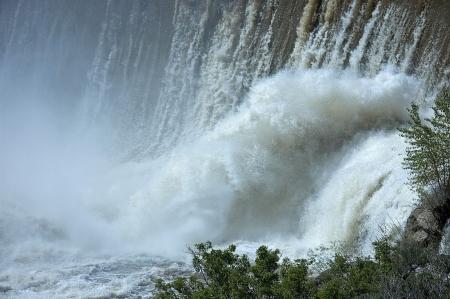 この水のシーンは、秋とバックアップ以降湯けむりから素晴らしいパターンと滝の下部に設定されます。 写真素材