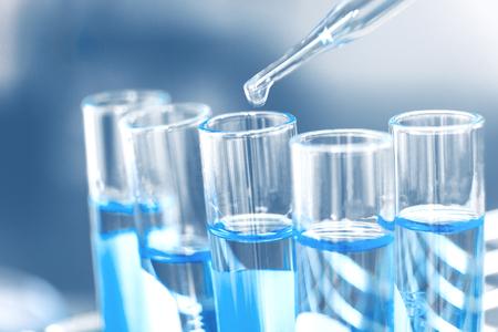 Glas laboratorium chemische test in lap room. Wetenschap concept