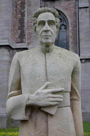 belgie: Monument for pastor Henri Pype  1854-1926  near the Church of Saint Peter and Saint Paul  Sint-Petrus-en-Pauluskerk   Ostend, West Flanders, Belgium