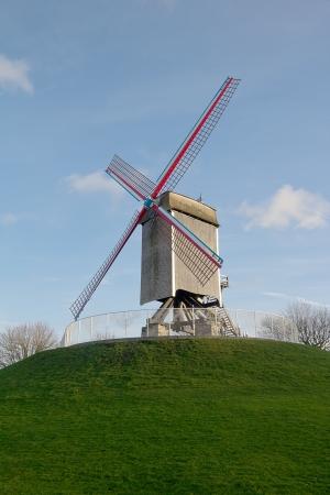 belgie: Wooden windmill named Sint-Janshuis (1770).    Stock Photo