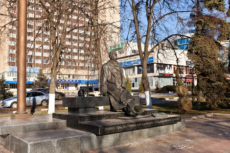 minin: Kursk, Russia - March 21, 2014  Monument to famous Russian composer George Sviridov in Kursk, Russia  Work of sculptors Minin and Krivolapov, 2005  Editorial