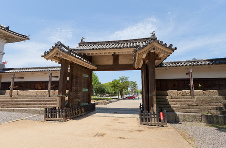 besiege: MARUGAME, JAPAN - MAY 22, 2015: Oteninomon (Second Front) Gate (circa 1670) of Marugame castle, Shikoku Island, Japan. Important Cultural Property Editorial