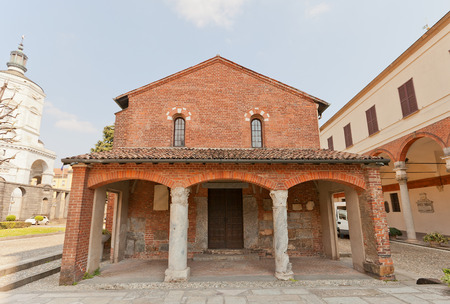oratoria: MILAN, ITALIA - 11 de abril, 2015: Oratorio de San Segismundo (circa XI c.) En Mil�n, Italia. Situado en el patio de San Amrogio Bas�lica