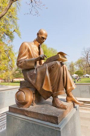 historian: MILAN, ITALY - APRIL 11, 2015: Statue (circa 2002) of Indro Montanelli in Giardini Pubblici park of Milan, Italy. Montanelli was an Italian journalist and historian, Knight Grand Cross OMRI Editorial