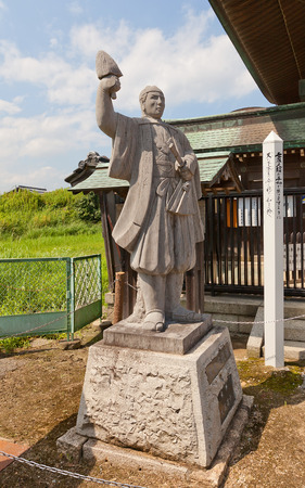 vendetta: AKO, JAPAN - JULY 18, 2016: Statue of Oishi Chikara Yoshikane, one of famous 47 ronins, in the Oishi Shrine. Shrine is dedicated to 47 loyal samurais and is located on the grounds of Ako Castle