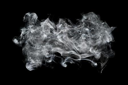 es ist der weiße Rauch, der auf Schwarzem für Hintergrund und Design lokalisiert wird. Standard-Bild