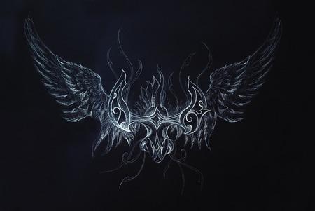 Dessin dragon ornementale sur fond noir Banque d'images - 57112601