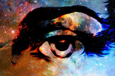 宇宙空間にイエスの目。コラージュのコンピューター版。
