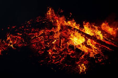 beautiful big fire on black night background Banque d'images