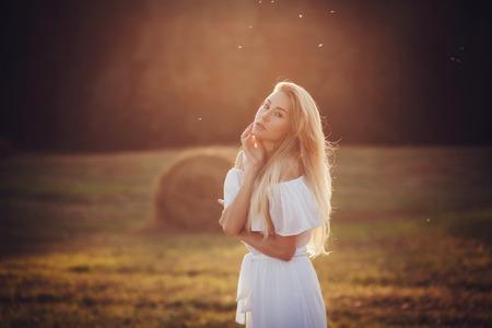 beauty portrait romantic girl outdoors Stockfoto