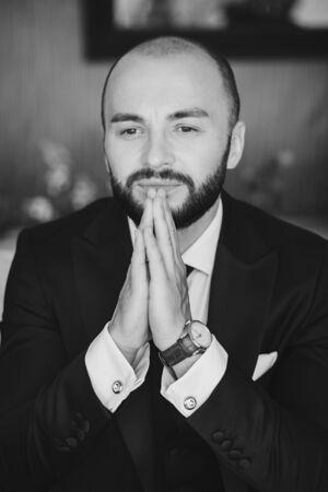 Portrait of a serious mature businessman dressed in suit. black and white photo Foto de archivo - 150120637
