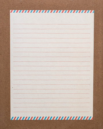 papier a lettre: Un papier à lettre bordée sur la carte Banque d'images