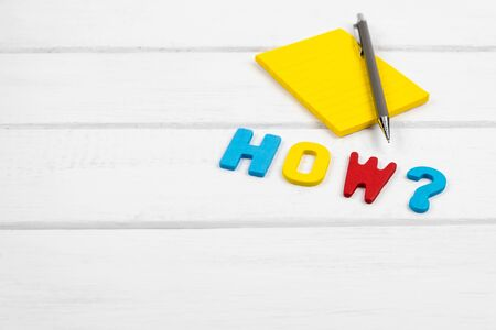 How wording on white wood background - concept of 5 Ws wh questions Stok Fotoğraf