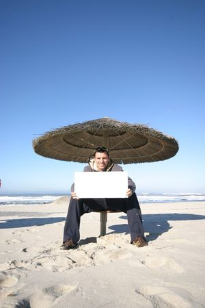 publicit�: plage de publicit� dans le ciel bleu