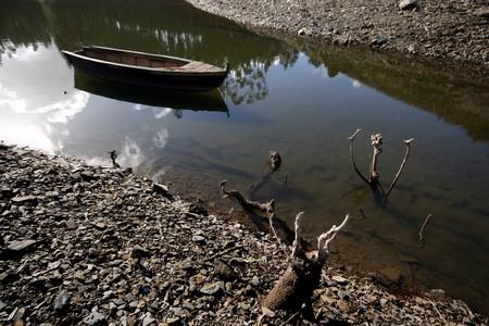 boast: vantare nel fiume galleggianti Archivio Fotografico