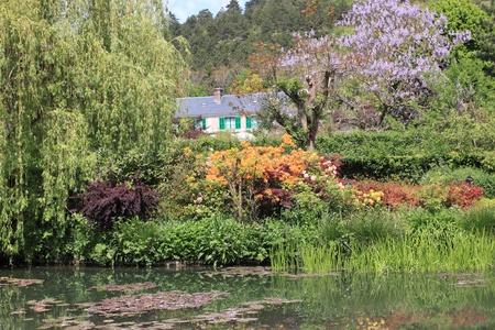 rivier in de tuin