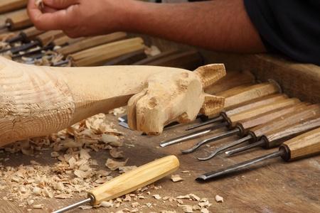 hout snijwerk sculptuur van een houten paard