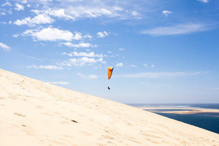 dune: Dune of Pilat paragliding