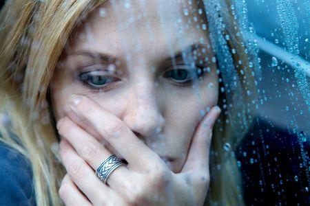 las emociones: Descontento Deprimido Mujer Foto de archivo