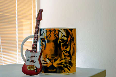 Guitar Cup and tiger painted on the mug