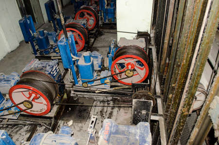 Old winch theatrical lifts, with slopes for gearboxes Stockfoto