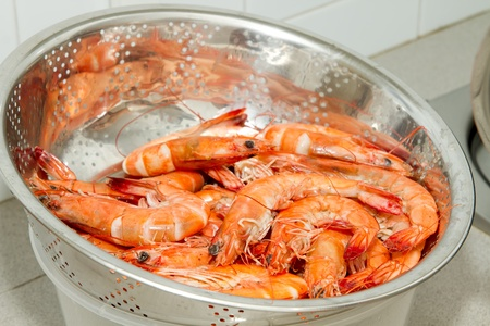 Cooked Prawns with Shell in Colander Strainer Stok Fotoğraf