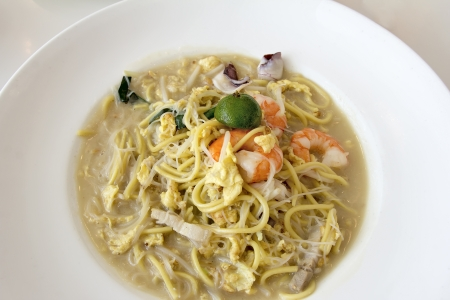 hoon: Hokkien Stir Fry Yellow Noodles and Rice Noodles with Prawns Squids Eggs and Pork