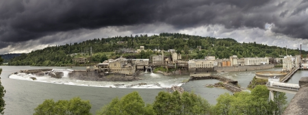 waterfall in the city: Hydro Power Plant at Willamette Falls Lock in Oregon City Panorama