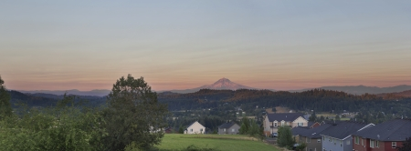 state of oregon: Mount Hood View at Sunset in Oregon Suburbs Housing Neighborhood Panorama