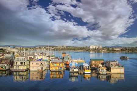 구름 푸른 하늘 빅토리아 BC 브리티시 컬럼비아 캐나다 Fishermans 부두