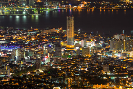 George Town Penang Malaysia Aerial Scenic view from Penang Hill with City Lights at Night 스톡 콘텐츠