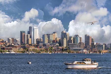 Seattle Washington City Skyline from Lake Union 스톡 콘텐츠