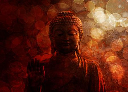 Bronze Zen Buddha Statue Raised Palm met Vage Geweven Rode Achtergrond