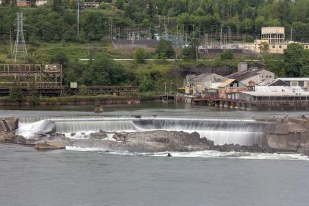 willamette: Willamette Falls Along Willamette River between Oregon City and West Linn Stock Photo