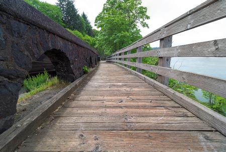 willamette: Boardwalk along the river at Willamette Falls in Oregon City