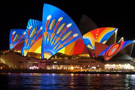 Sydney Opera house on Vivid festival Sajtókép