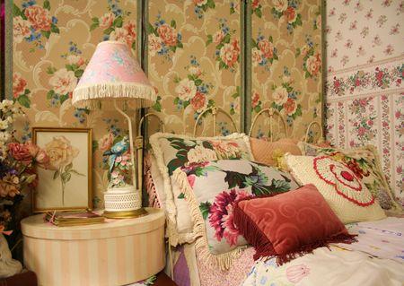 bedside lamps: Vintage Bedroom