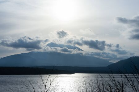 Beautiful View of Mt. Fuji from the Lake. 스톡 콘텐츠 - 138146550