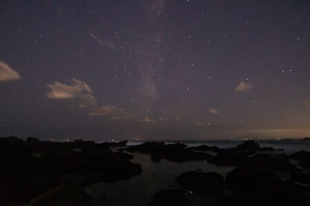 Beautiful starry sky seen from the island (photographed at a famous astronomical observation spot in Kanagawa) 스톡 콘텐츠