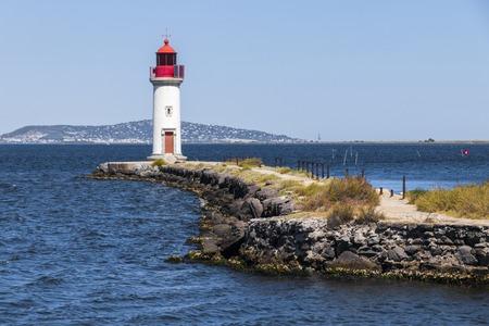 レ Onglous 灯台、ミディ運河、it センター ・ デ ・ トーに入る場所のポイントを終了します。世界遺産。フランスのアグド 写真素材